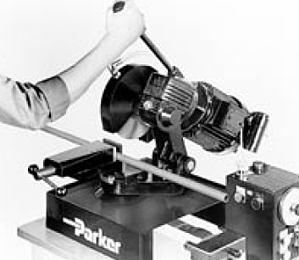 Cutting tube end with a Parker cut-off saw